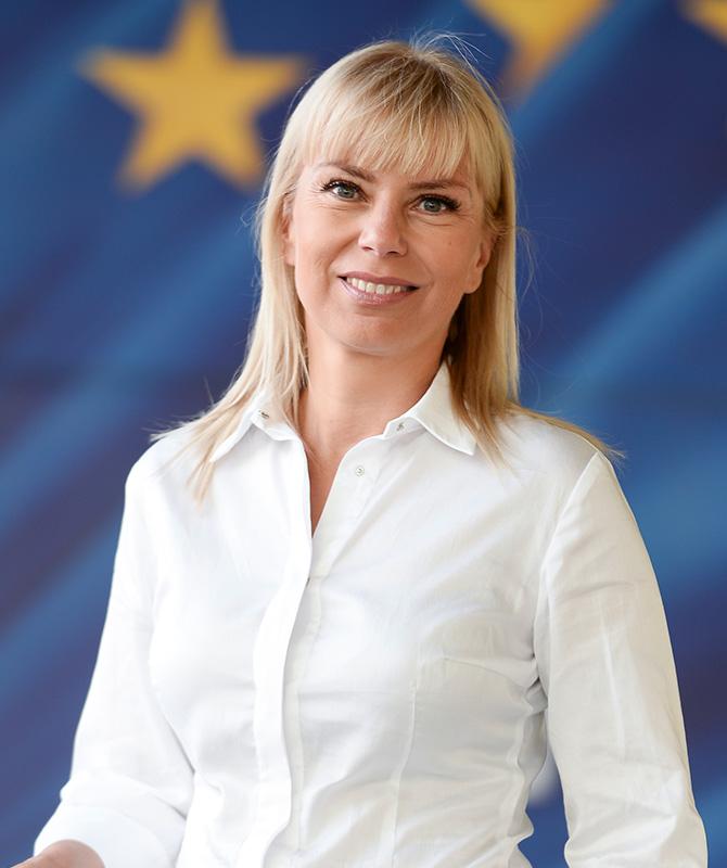 ElżbietaBieńkowska-1.jpg