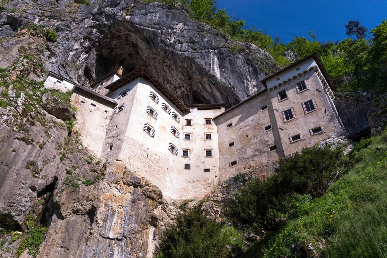 Predjama-Castle-34-Iztok-Medja.jpg