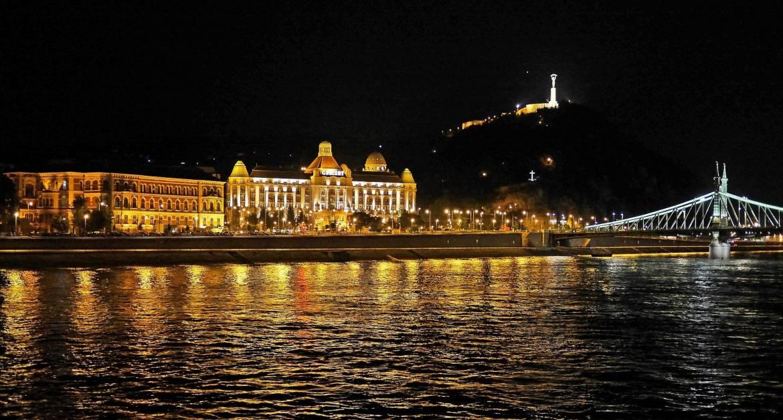 Gellért_budapest-at-night.jpg