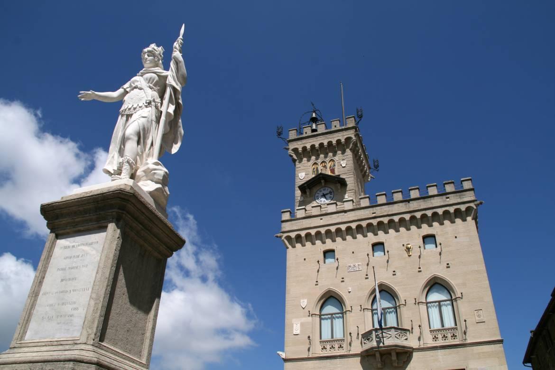Palazzo-Pubblico-e-Statua-della-Libertà-03-ph-Goffredo-Taddei.jpg
